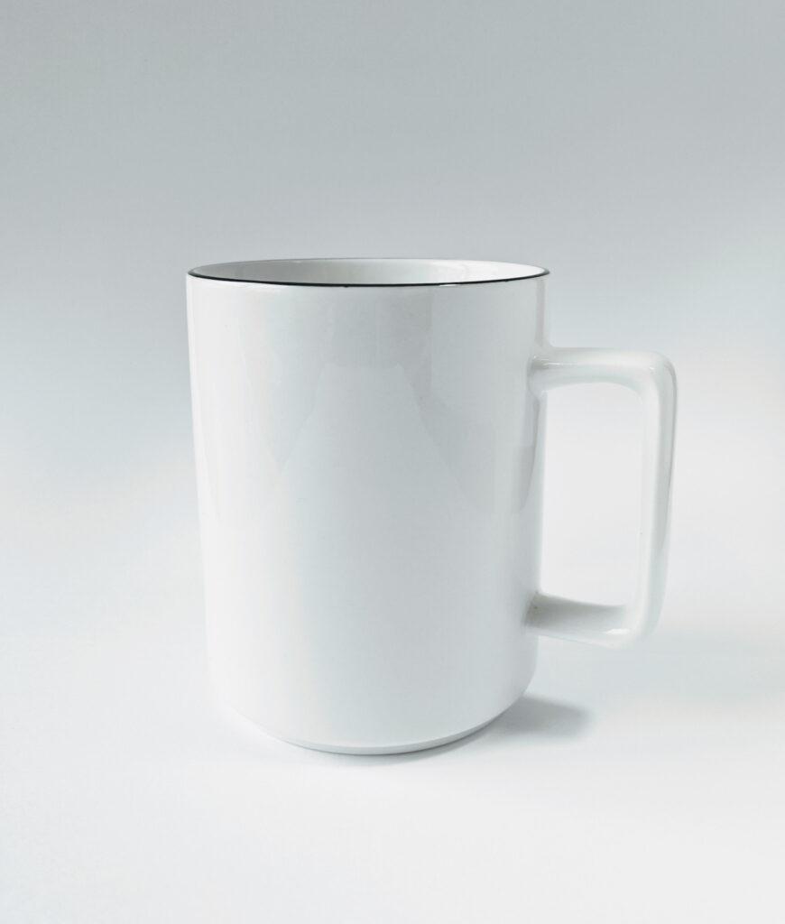 ミニマル&シンプルなマグカップ。『a. depeche standard line mug』