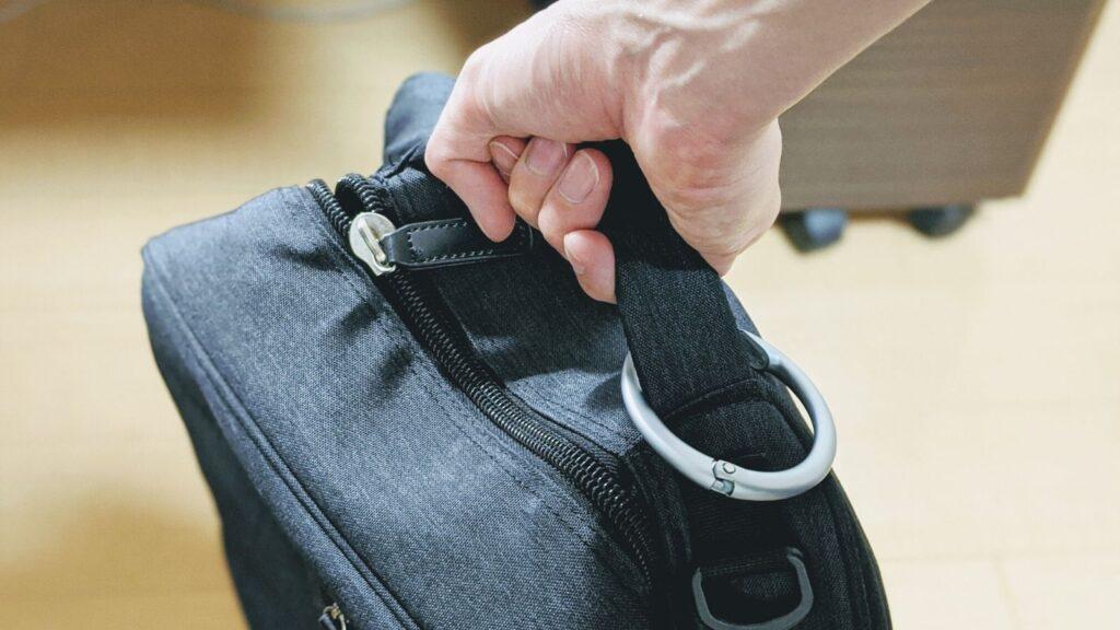 これさえあればバッグ置き場に困らない。バッグハンガーClipa2。