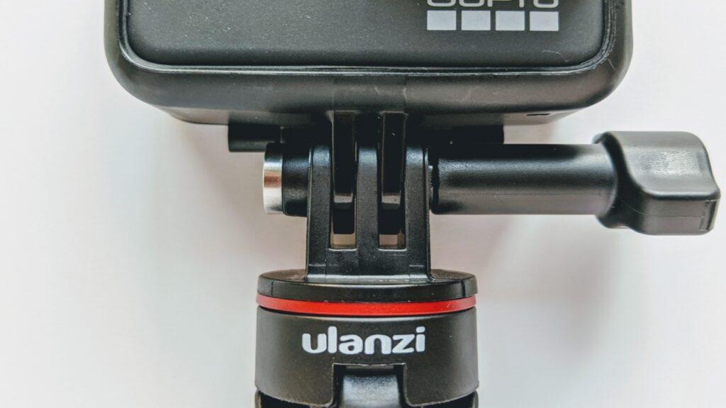 純正ショーティの約3分の1の価格。GoPro用の伸びる格安三脚が便利