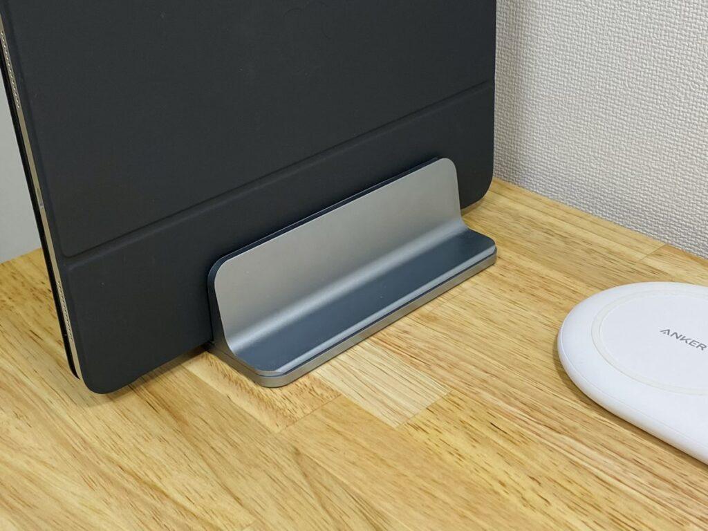 iPadの定位置に。PCスタンドをiPad用として購入してみました。