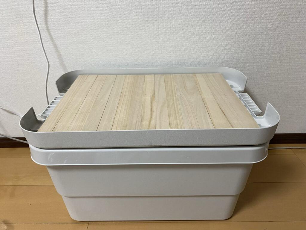 セリアのティッシュケースと無印良品の収納ボックス用の天板を簡単DIY